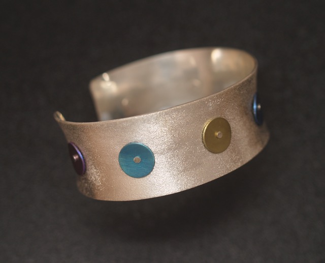 Anticlastic niobium cuff website